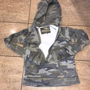 Bongo Athletica large camo pullover hoodie